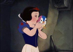 Disney Movie Plot Twist ~ SnowWhite